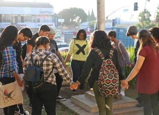 Миллион школьников участвовали в христианском флешмобе