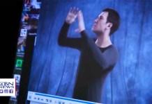 В Уиклиффе для глухих переводят Библию на мировые языки жестов