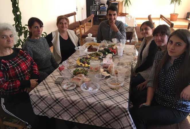 Благотворительный проект в Армении: столовая для нуждающихся