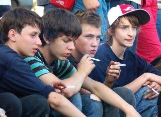 Можно ли курить подросткам?
