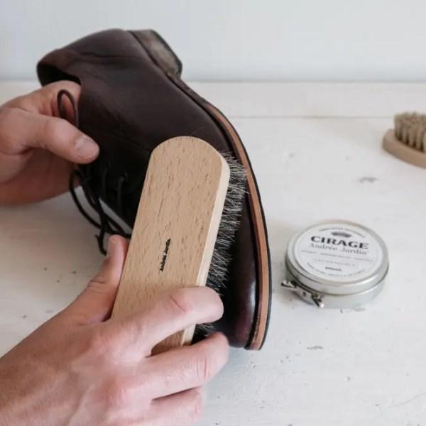 brosse à reluire
