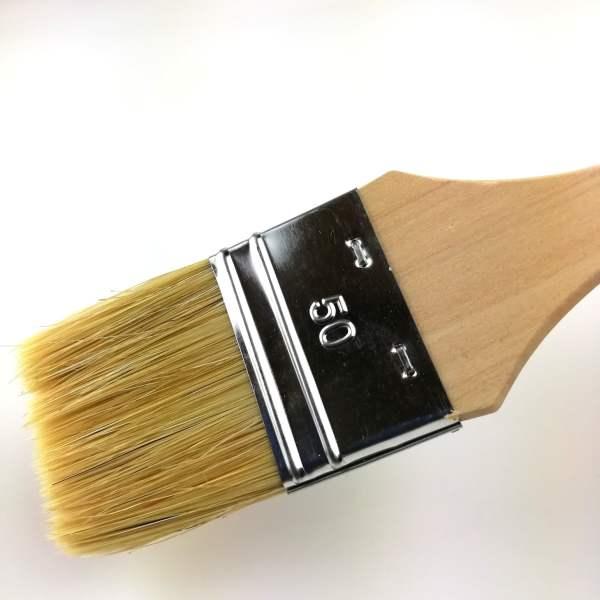 pinceau plat 50mm soies naturelles manche bois peuplier brut