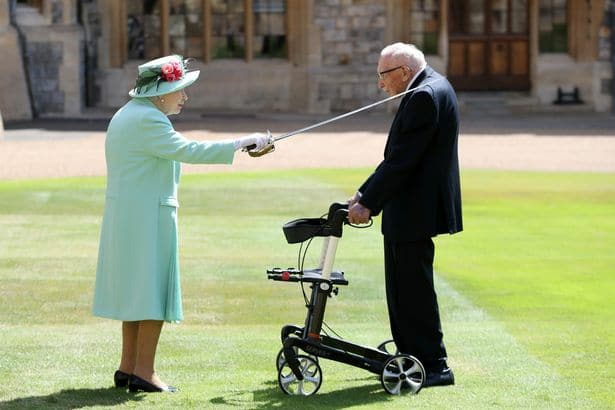 0 the queen confers the honour of knighthood on captain sir thomas moore3920254553660532249