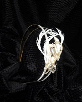 Solal Bijoux Haute Fantaisie Bijoux de tête plumes blanc et doré