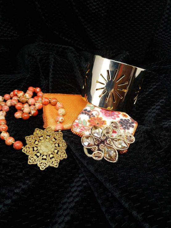 Solal Bijoux Haute Fantaisie bijou nomade brun et doré + collier aimanté en perles + machette avec manchon réversible
