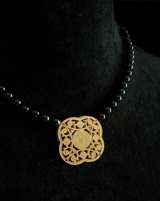 Solal Bijoux Haute Fantaisie collier aimanté de perles en onyx noir