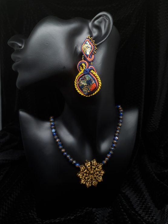 Solal Bijoux Haute Fantaisie boucles d'oreilles bleu marine et ocres avec collier aimanté