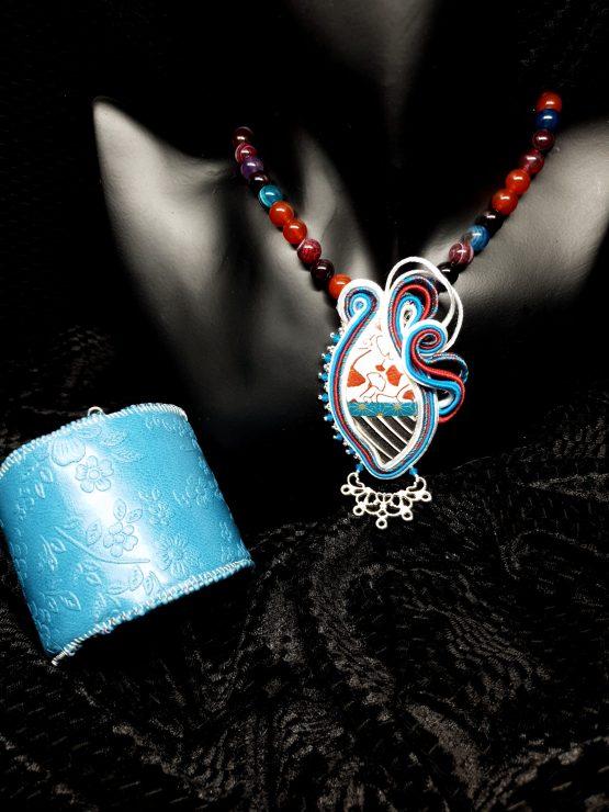 Solal Bijoux Haute Fantaisie bijou nomade bleu blanc rouge et argent avec collier aimanté et manchette