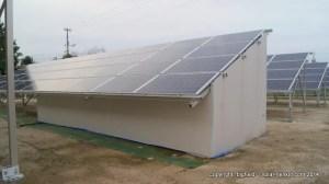 パワコン騒音対策用の小屋@清谷太陽光発電所