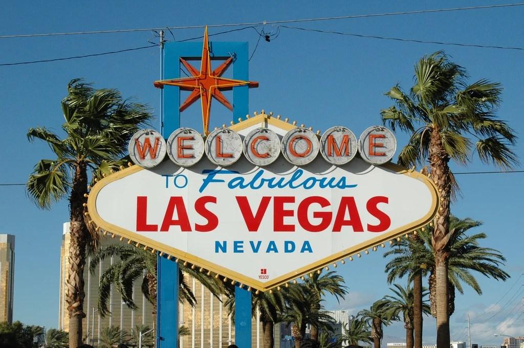 """有名な""""ラスベガスへようこそ""""の看板"""