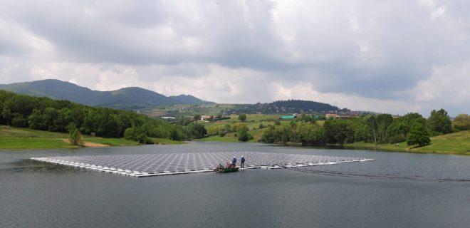 Плавучая солнечная электростанция мощностью 230кВт на озере Маден