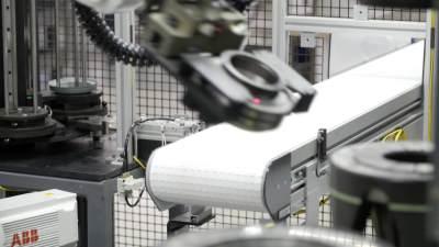 Robotic Arm Transfer to Conveyor