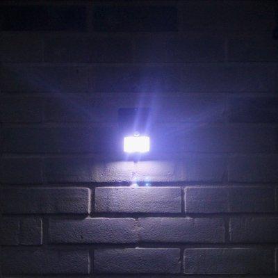LED SOlar powered light for cabin