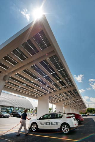 gm-solar-ev-canopy-vertical1