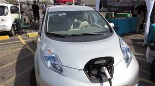 LEAF-2012-denver-plug-in-day