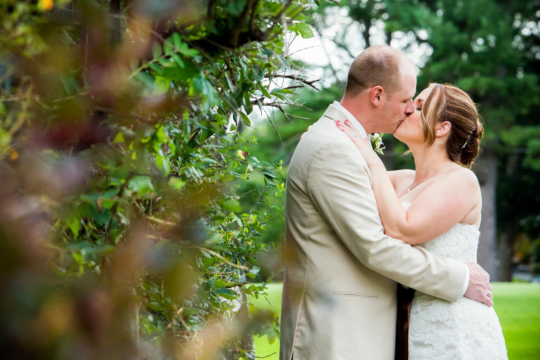 Maisy & Harry - Keene Country Club Wedding