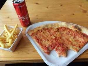 Pizza at Maniva Ski