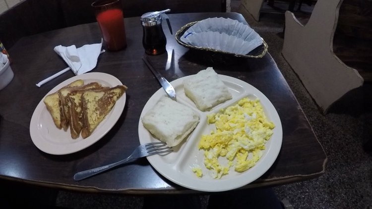 Breakfast at the Barbecue Kitchen