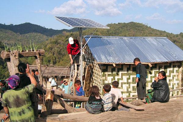 Paket Solar Home System SHS Tenaga Surya NTT NTB