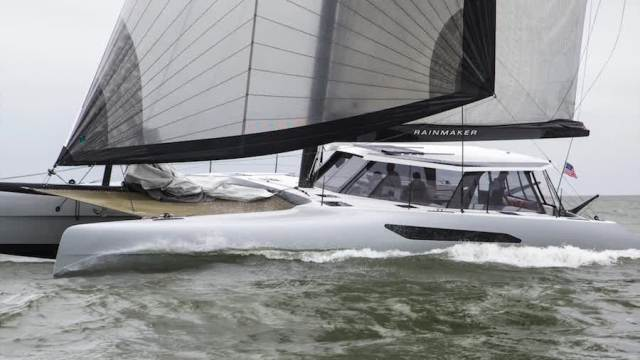 Gunboat 55 Yacht Rainmaker Solbian Solar Solarpaneel Photovoltaik begehbar leicht rutschfrei rutschfest antirutsch aufgeklebt aufkleben SunPower Solbian Segeln Schatten Laderegler