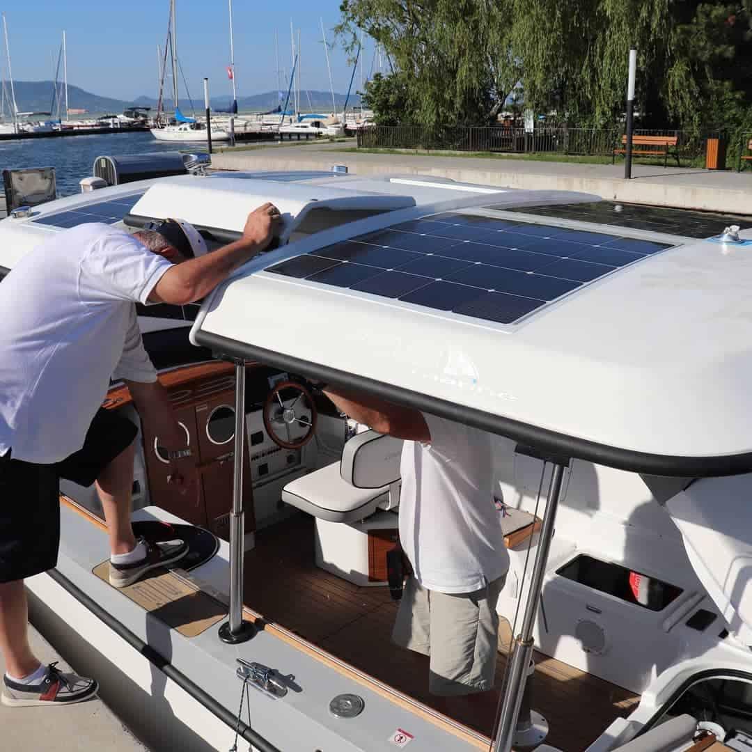 Alfastreet 23e cabin electric solar panels 48V Solbian