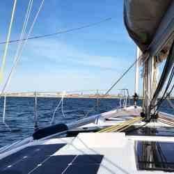 Dufour 390 Segelyacht Solaranlage begehbar Solbian