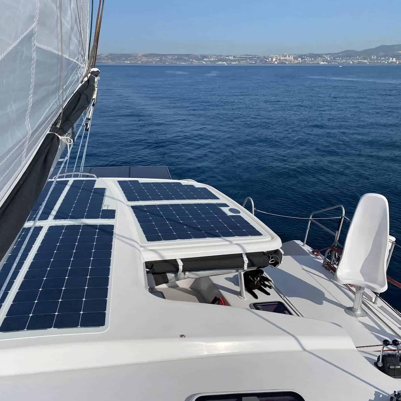 Outremer 51 Katamaran Solar Solarmodul begehbar Solbian