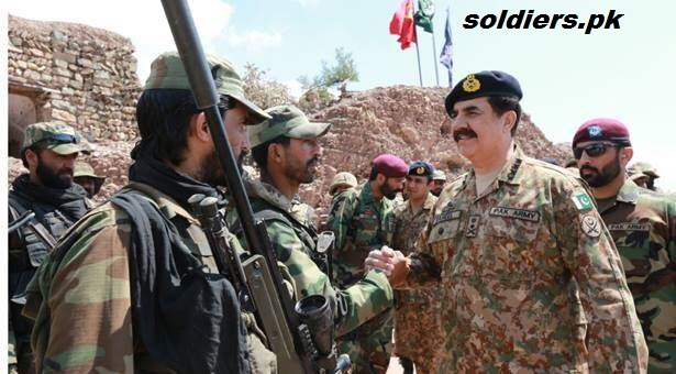 COAS celebrated Eid with soldiers