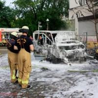 Kleintransporter brannte an Zechliner- Ecke Stockholmer Straße aus
