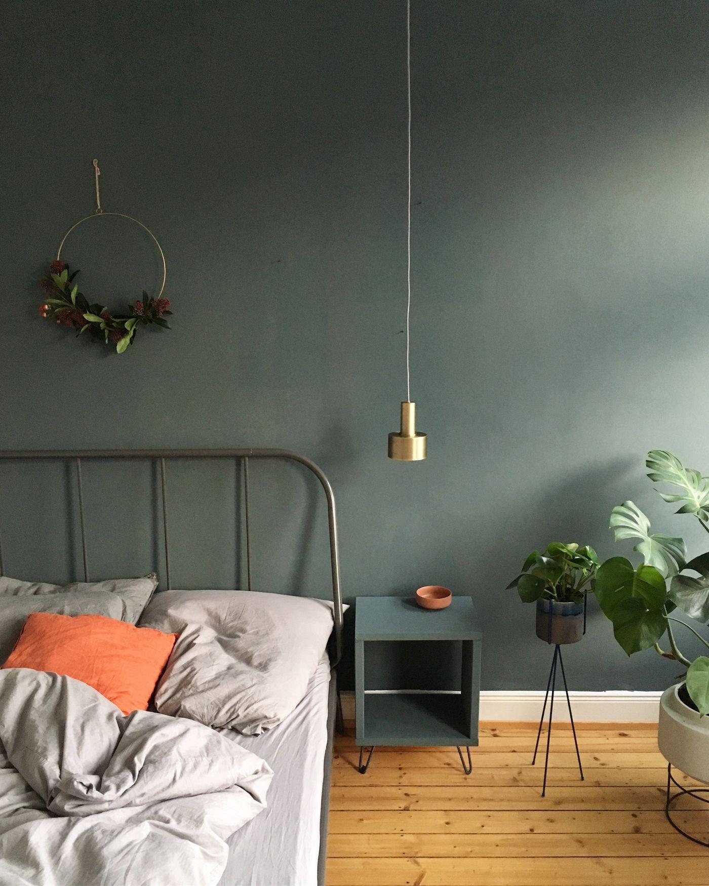 Grüne Wand Wohnzimmer Wohnzimmer Mit Grüner Wand Fernsehen Auf