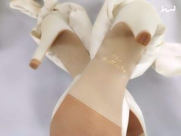 adding a monogram to wedding shoes