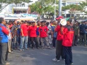 Protes Outsourcing, Buruh PLN Ancam Padamkan Listrik di Jateng dan DIY