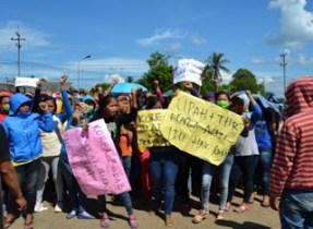 Ratusan Buruh Perempuan PT Seok Hwa Tuntut Pembayaran THR