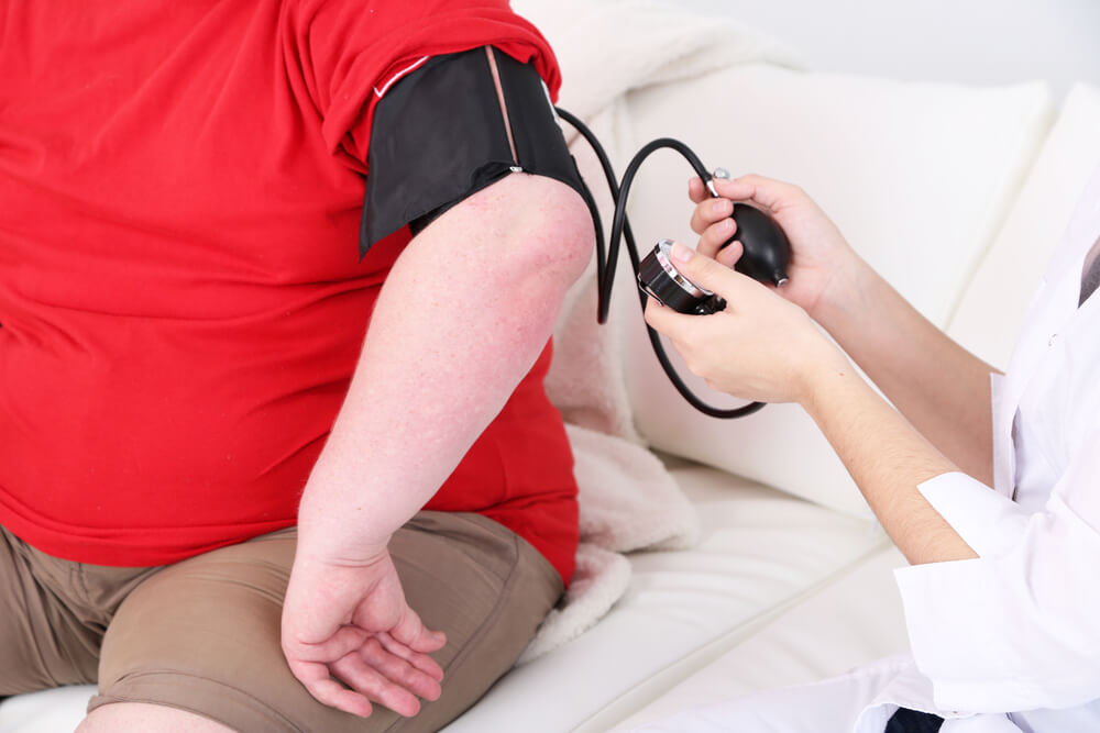 Ako vzniká vysoký krvný tlak?