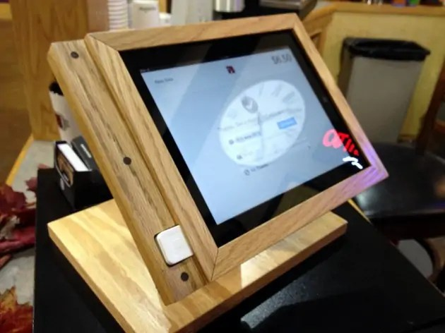 The DIY Wood iPad Stand that Screams Style/Prevents Tablet Jabbing ...