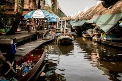 "On our way to ""Khlong Lat Mayom"", floating market"