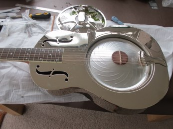 Resonator guitars of all kinds benefit from specialist set-up to improve and enhance their playing and tone. Contact me and let me bring your resonator back to life. New cones, new nut, new strings and a proper set-up of these guitars can work wonders