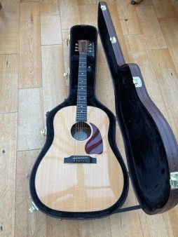 Lovely Gibson G45 in for a quick set up, fret dress and polish. Glorious sounding acoustic here, really sweet.