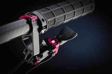 0062 A-GE TS black handle b_WEB