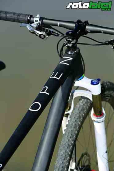 Las formas de los tubos de la Open le otorgan una personalidad como pocas bicis de este estilo poseen.