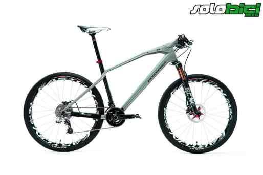 O te encanta o la detestas. Así es esta exclusiva bicicleta con un aspecto realmente espectacular como pocos. Bien acabada