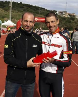 Jesús Ruiz con Isarel Núñez, vencedor en 2012