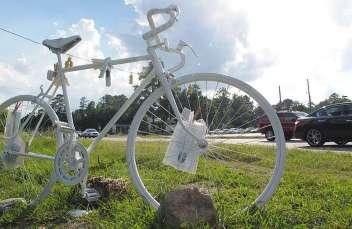 0001 0927 ghost-bike2