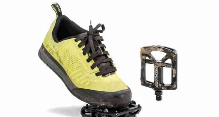 zapatillas y pedales Specialized