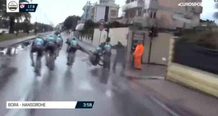Dos ciclistas se estampan