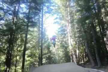 vídeo niño 6 años bike park whistler