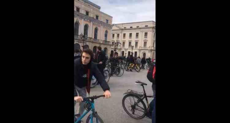 protesta colectivo ciclista Burgos