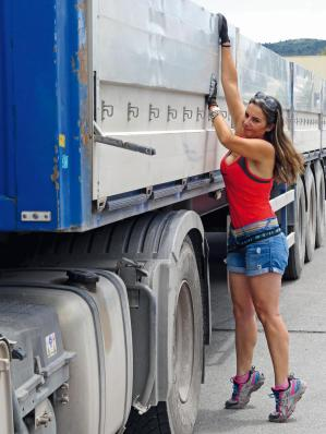 Soy camionera, Raquel Segura