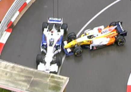 Fernando Alonso impacta con Heidfeld en Loewe