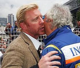 Boris Becker saluda a Briatore